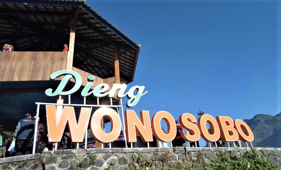 One Day Tour Sikunir Dieng Plateau